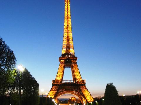 Eifeļa tornis pariīze francija baltatour